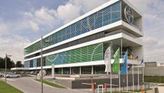 Bayer, plastik birimini ayırıyor
