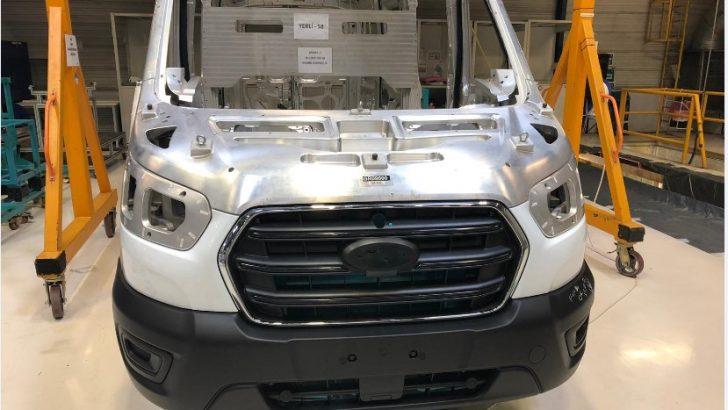 Ford Otosan'dan kendinden renkli plastik tampon